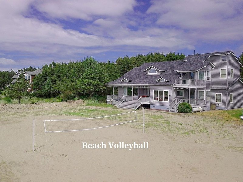 4-for-2 Special,Spectacular 5BD BEACH FRONT HOME | Game Rm, Hot Tub,Wi-Fi, vacation rental in Nahcotta