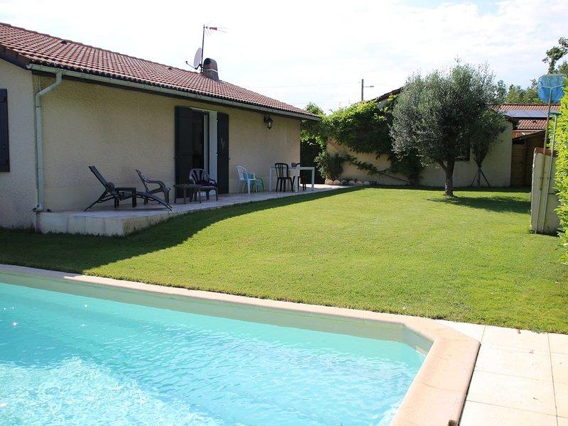 Maison avec piscine  privée jardin tennis, location de vacances à Drôme