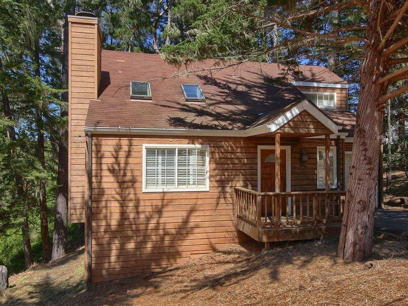 Holly Hill Cottage: 2  BR, 1.5  BA House in Cambria, Sleeps 4, aluguéis de temporada em Cambria