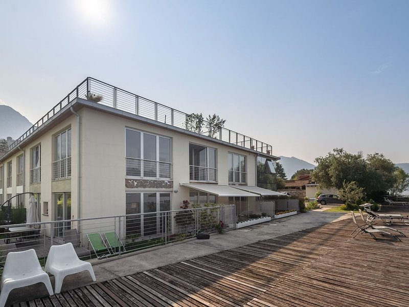 Luxurious Apartment in Marone overlooking lake Iseo, vacation rental in Sale Marasino
