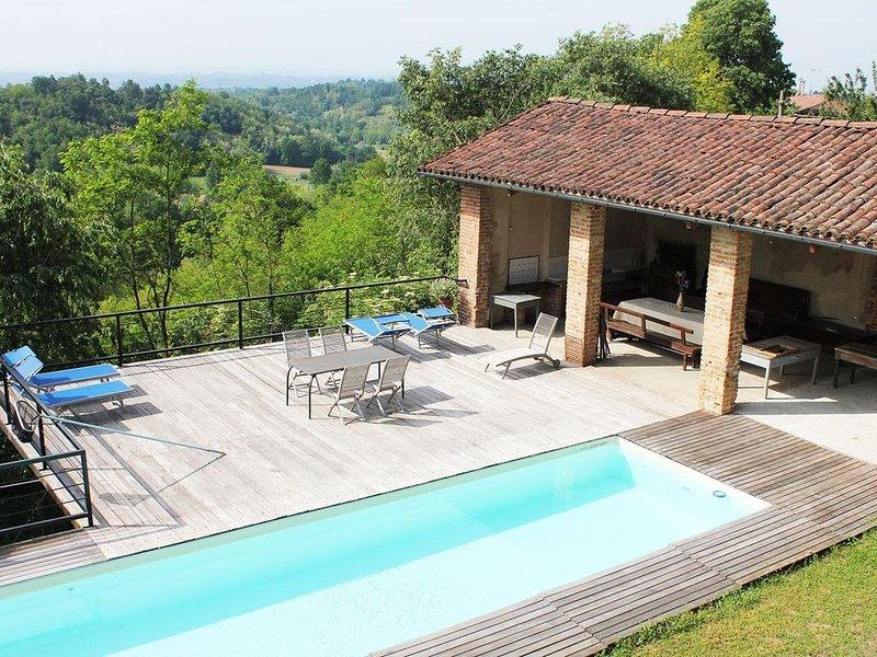 Cascina storica nel verde del Monferrato astigiano., alquiler vacacional en Montemagno