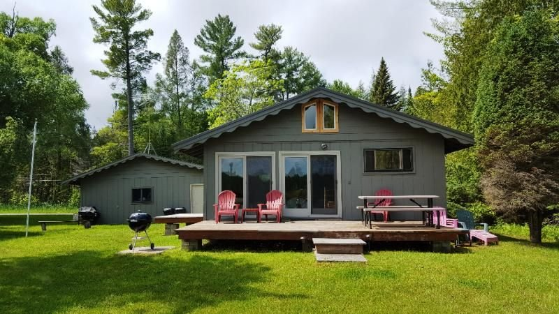 Clams End on Clam Lake Bring Your Boat and Enjoy the Lakes, location de vacances à Bellaire