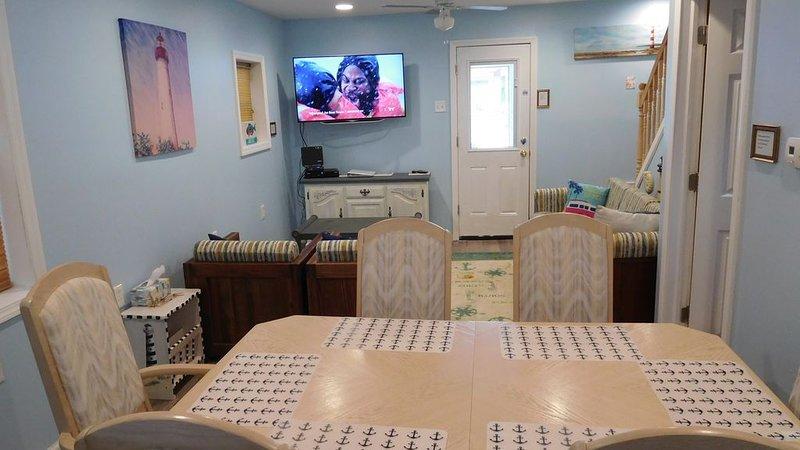 Amazing beach block renovated 3 bedroom single family house. Great Location!, alquiler de vacaciones en Seaside Heights