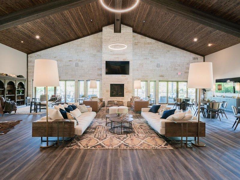 Ce tout nouveau pavillon de luxe est décoré avec un mobilier et une décoration haut de gamme.
