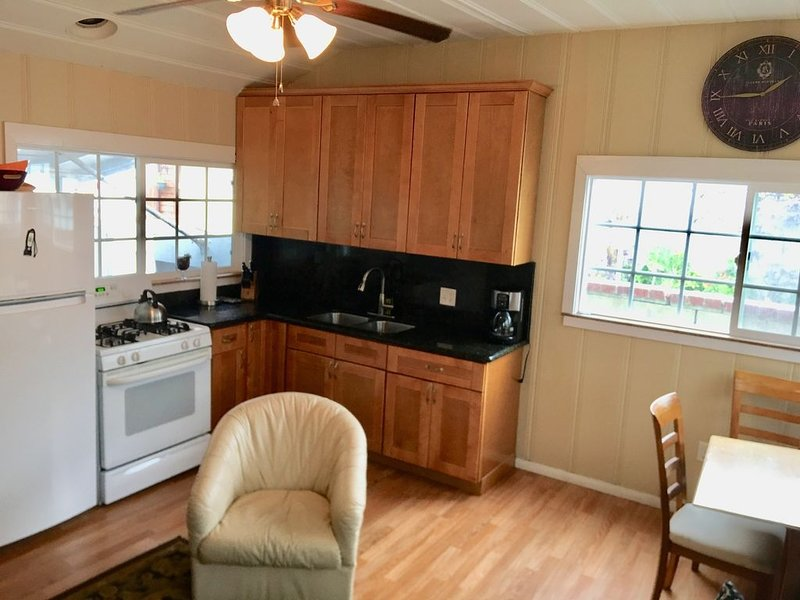 Sunset Beach Bungalow - 50 Steps To The Sand!, holiday rental in Huntington Beach