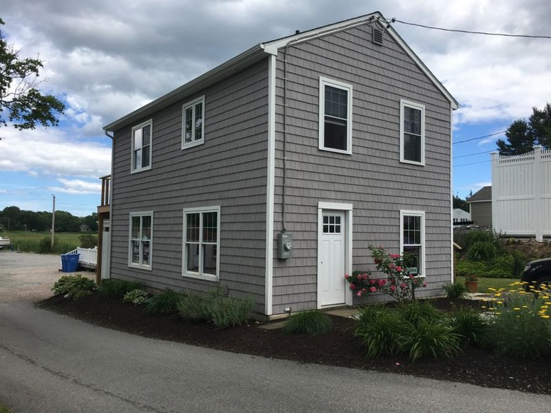Detached Home - Marina Guest House, vacation rental in Madison