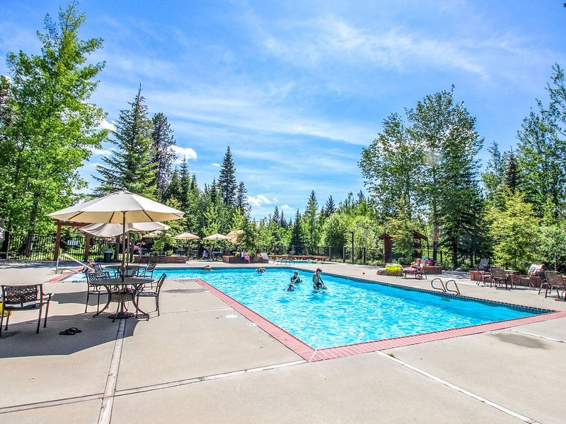 Cozy, dog-friendly cottage on McCall Golf Course w/access to shared amenities!, vacation rental in McCall