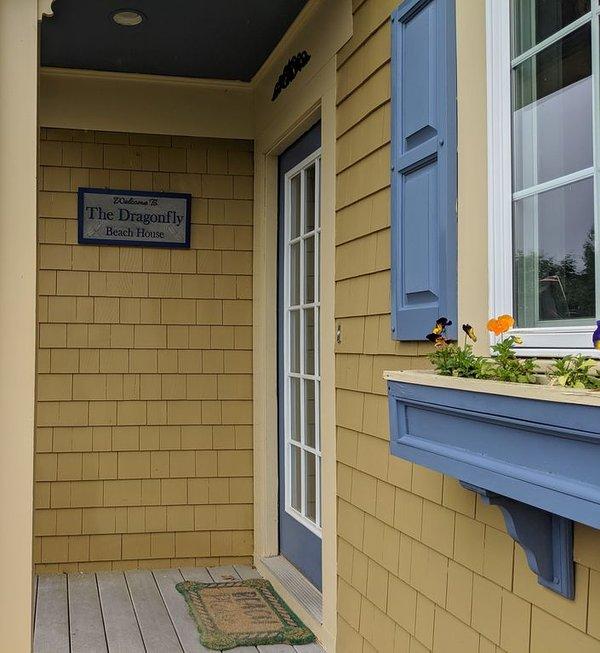 Suas acomodações perfeitas esperam por você dentro da Dragonfly Beach House! Bem vinda!