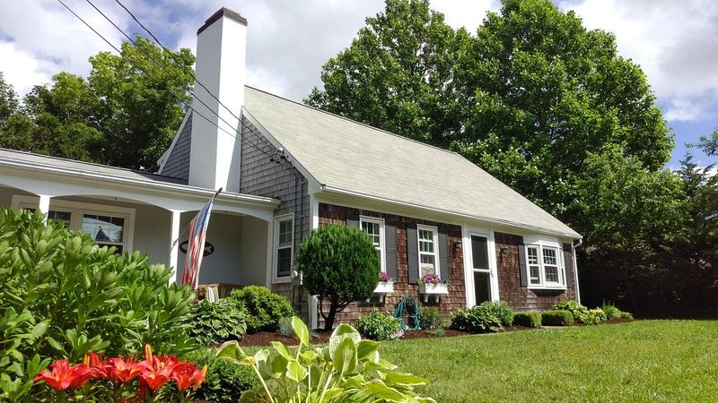 Yarmouth Port - Classic Cape, Modern Amenities, holiday rental in Yarmouth