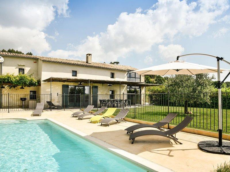 Mas La Romance, qualité, piscine privée clôturée, Vallée de la Cèze, Provence, holiday rental in Venejan