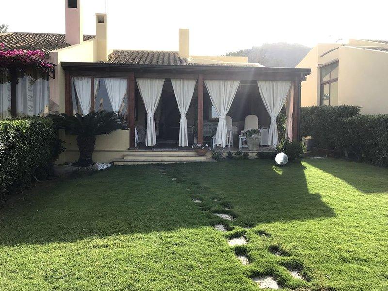 Villetta con giardino a 150 metri dalla spiaggia, vacation rental in Costa Rei