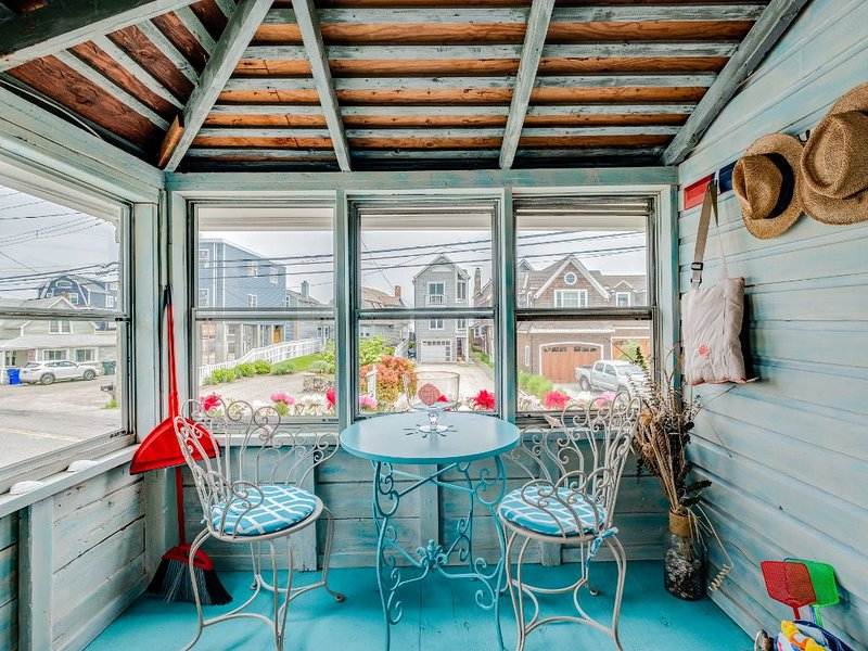 Charming Cottage By The Sea on Fairfield Beach, holiday rental in Fairfield