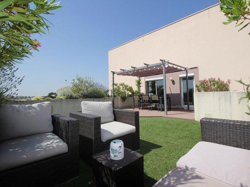 unique, grande terrasse, vue panoramique, piscine, proximité plages, holiday rental in Montpellier