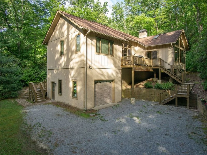 Located at Sherwood Forest, Pet Friendly, holiday rental in Cleveland