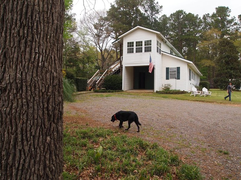 Whiskey River Loft in scenic Aiken, South Carolina, vacation rental in Graniteville