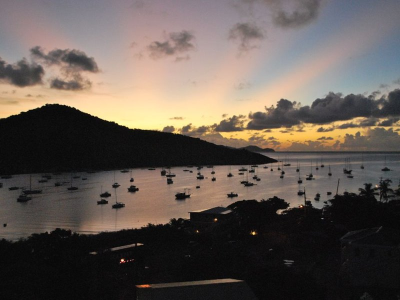 Affordable 5★★★★★ Luxury Private Studio Over Look, holiday rental in St. John