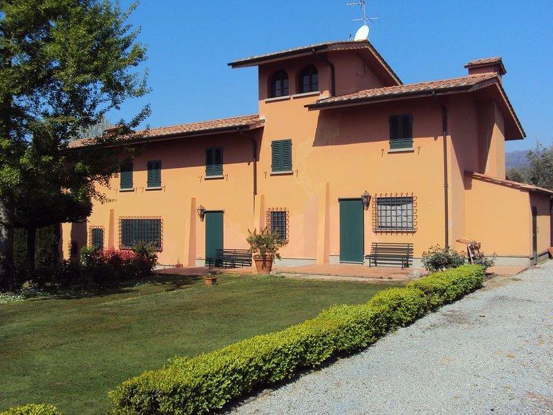 Casa indipendente a 3 km dal centro immersa nelle colline di Montecatini, holiday rental in Montecatini Terme