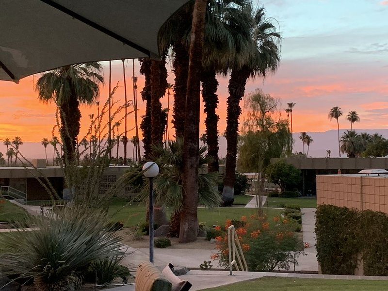 Rare Updated Sandpiper Condo, location de vacances à Palm Desert