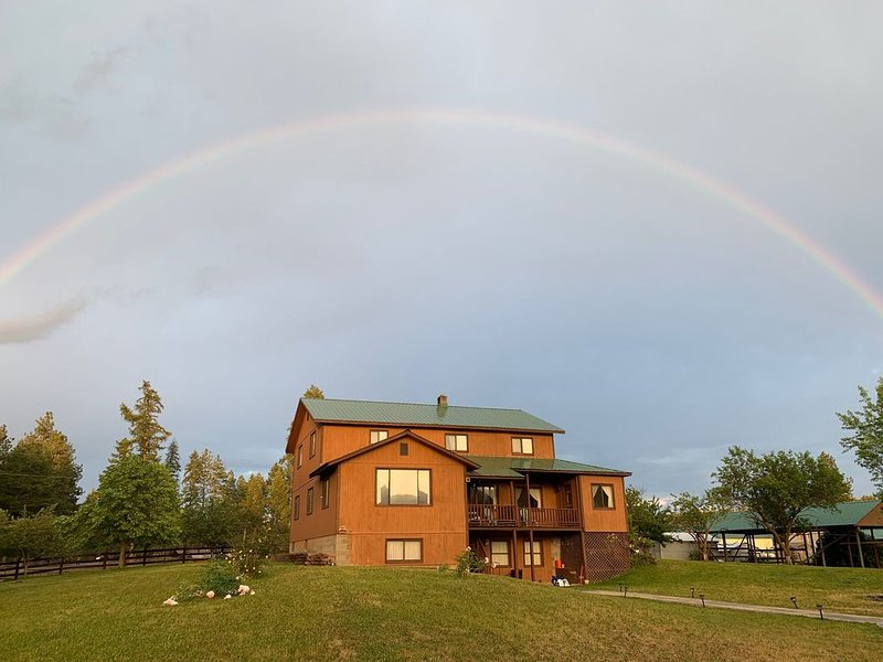 Lake KooCanUSA, Eureka, West Kootenai, Rexford - 2.5 Acre Retreat & Recreation, holiday rental in Eureka