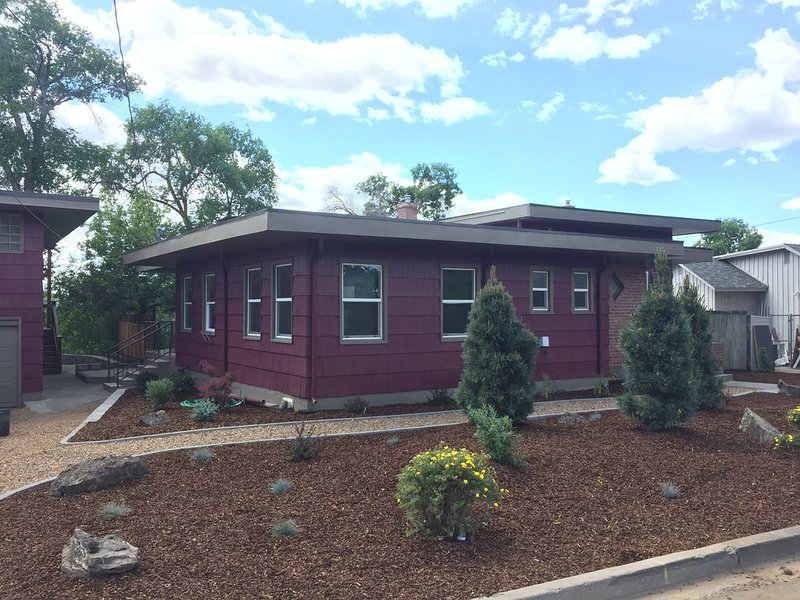 The Big Red In Redmond, holiday rental in Crooked River Ranch