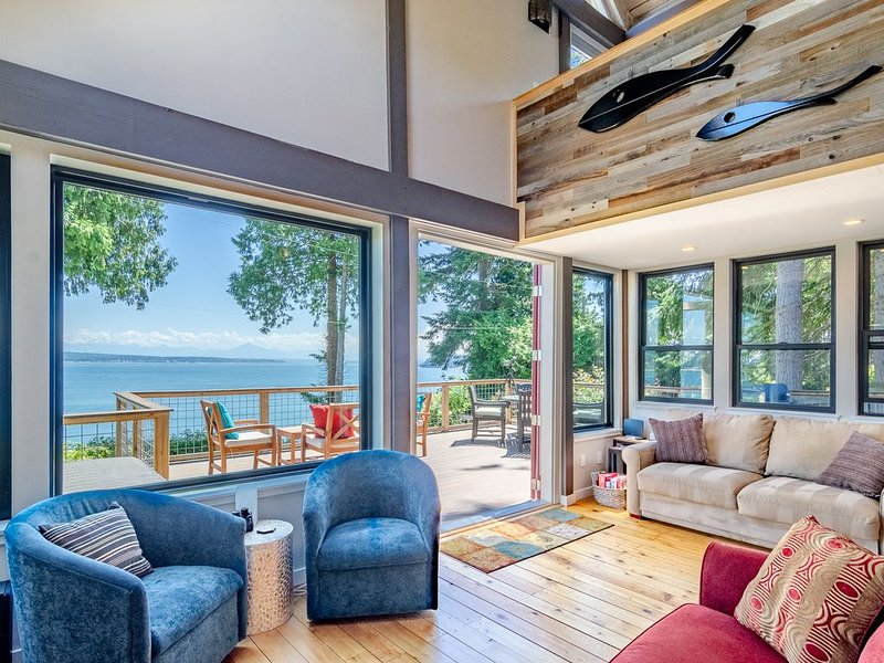 Maple Cove Hideaway - Ocean Front Cabin - Close To Langley!, location de vacances à Lakewood  Snohomish County