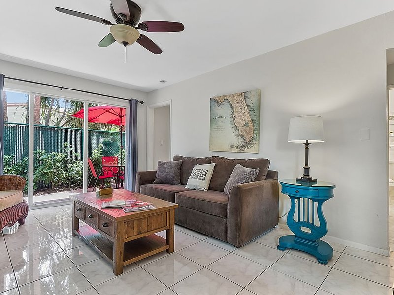 Beach Apartment/Private Patio/Wifi/Self Check In-Out/High cleanliness standards – semesterbostad i Lauderdale by the Sea