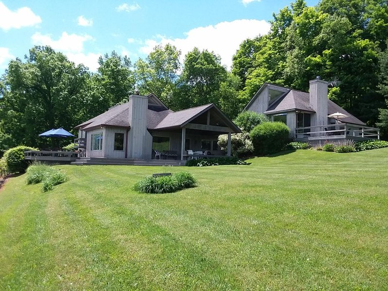 Spectacular 100 Acres On The Shores Of Canandaigua Lake, location de vacances à Naples