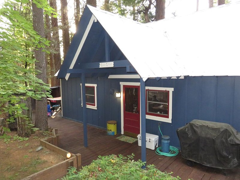 Cozy Cabin With A Short Walk To Fly In Lake/Blue Lake Springs, alquiler de vacaciones en Arnold