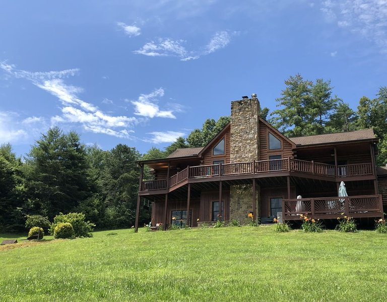 The Journey's End, Beautiful Mountain Views, 20 Min to Asheville, Ferienwohnung in Mars Hill