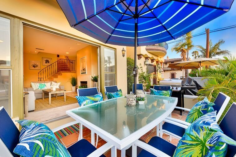 15% OFF MAR! Beautiful Beach Home w/ Rooftop Deck + Walk to Water, vacation rental in Long Beach