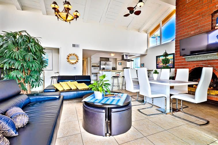 15% OFF THRU MAR! Great Newport Beach Home in Premiere Location w/ Nice Patio, location de vacances à Balboa Island