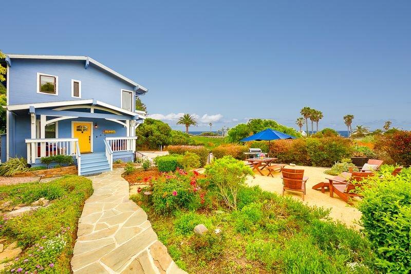 Ocean View Wraparound Deck w/ Garden, Walk to Beach, Pet's OK, vacation rental in Del Mar