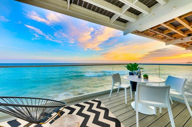 Oceanfront Luxurious Villa w/ Incredible Outdoor Living, holiday rental in Malibu