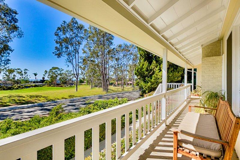 20% OFF JULY! Beautiful Beach Cottage w/ Ocean Views + Large Grass Yard, location de vacances à San Juan Capistrano