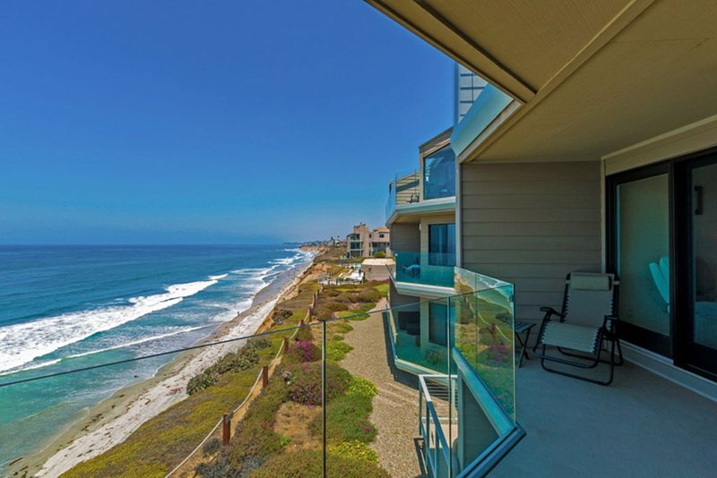 Oceanfront w/ Sweeping Views, Pool, Spa + Tennis Court, vacation rental in Solana Beach