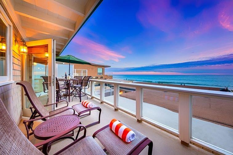 15% OFF MAR! Beautiful Oceanfront Spacious Beach Home on the Sand!, aluguéis de temporada em Dana Point