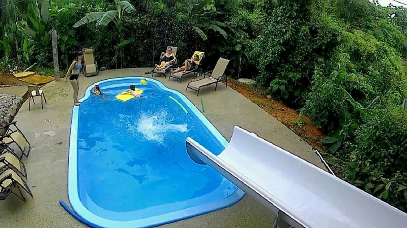 King Bed Studio in Jungle - Jacuzzi, Balcony w/ Great View, Pool, Waterslide, Ferienwohnung in Quepos