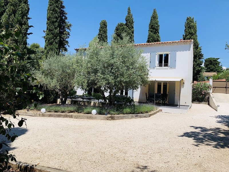 Stunning new house**** Sanary-sur-Mer, Var, location de vacances à Var