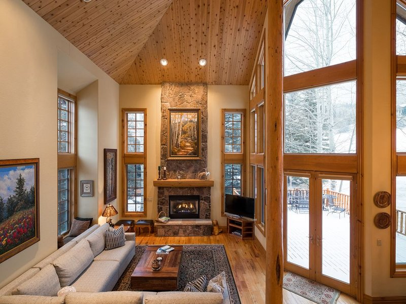 ⛷ 6 Kings, 6.5 baths, SFH in BC Resort on the golf course! – semesterbostad i Avon