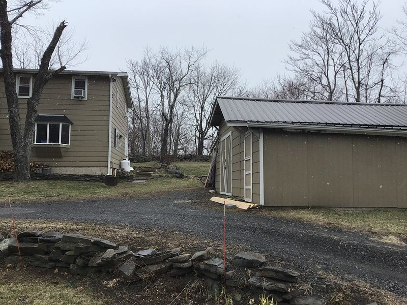 House side/garage