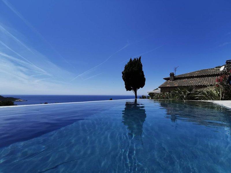 Incroyable vue sur Porquerolles!  Villa  très lumineuse et spacieuse, location de vacances à Hyères