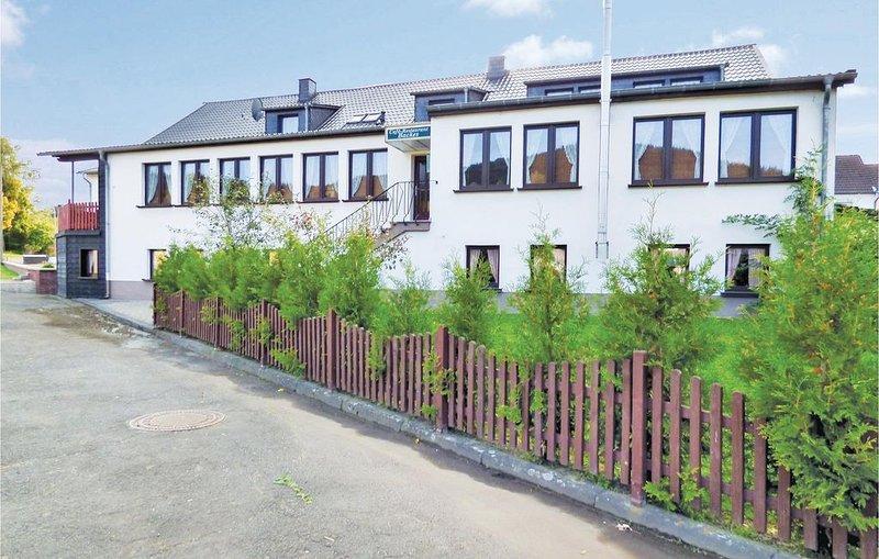 16 Zimmer Unterkunft in Oberstadtfeld, location de vacances à Manderscheid