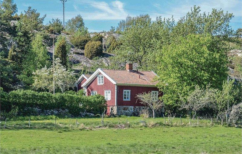 2 Zimmer Unterkunft in Grundsund, vacation rental in Varekil