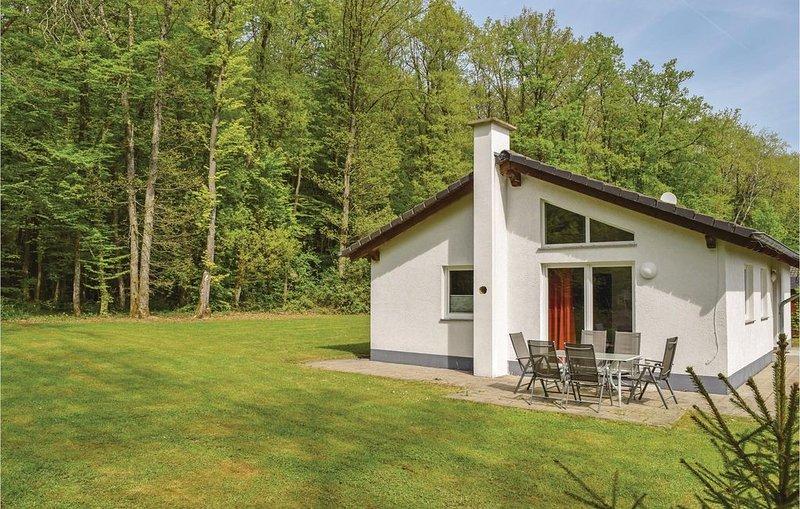3 bedroom accommodation in Gerolstein/Hinterhaus., location de vacances à Schwirzheim