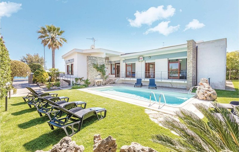 5 bedroom accommodation in Terracina (LT), vakantiewoning in Porto Badino