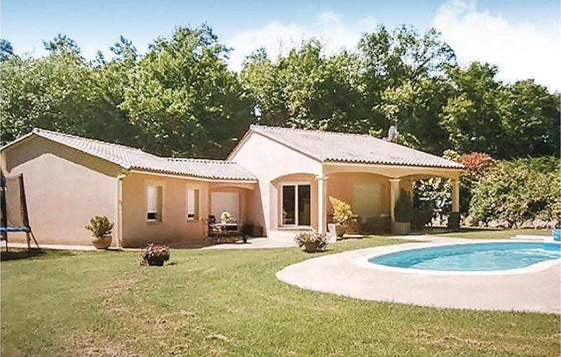 3 Zimmer Unterkunft in Savignac Les Eglises, location de vacances à Négrondes