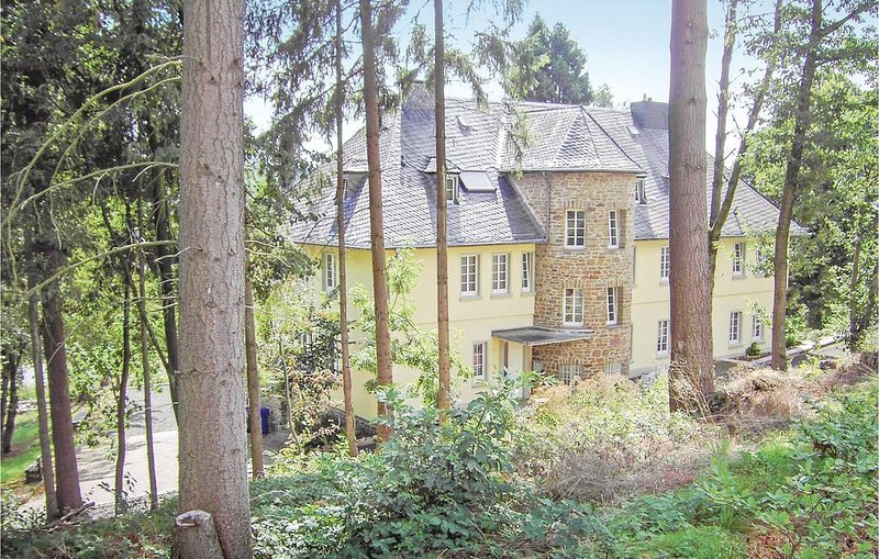 2 Zimmer Unterkunft in Prüm, holiday rental in Prüm