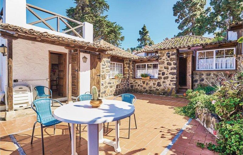 2 Zimmer Unterkunft in Icod De Los Vinos, holiday rental in Icod de los Vinos