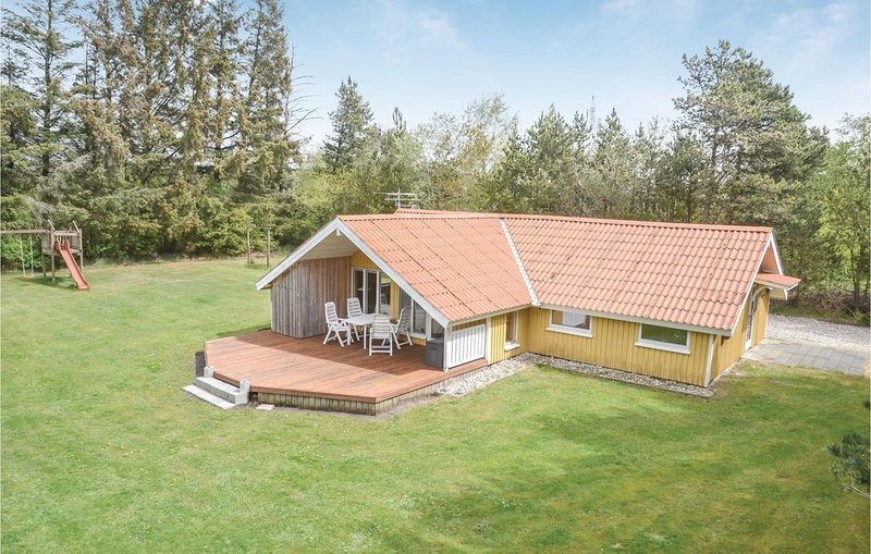 3 bedroom accommodation in Oksbøl, holiday rental in Henne Strand
