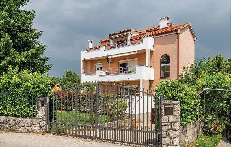 2 Zimmer Unterkunft in Marinici, holiday rental in Viskovo